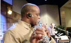Daryl J Jones playing flute live